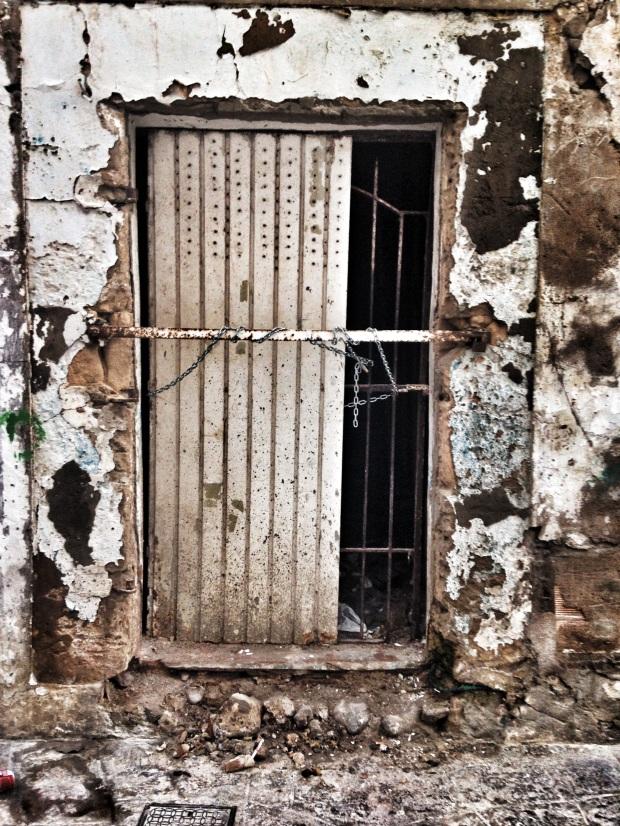 Ibiza-final-cracks